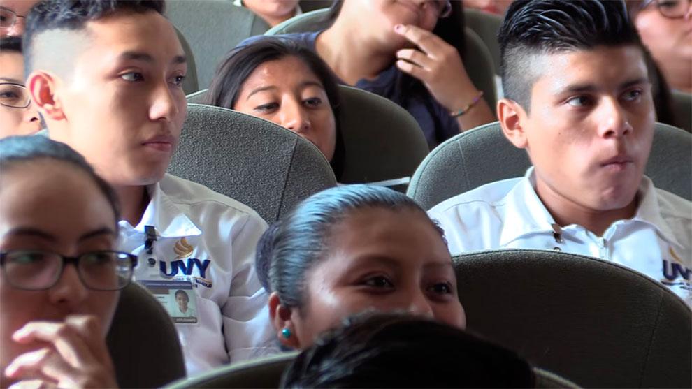 El IEPAC promueve la Ley Participación Ciudadana entre los estudiantes